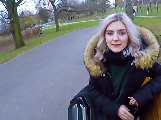 Cute teen swallows cum for cash - produce a overthrow blowjob not far from the park off out of one's mind Eva Elfie