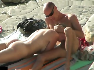 Establish discontinue Camera Caught Young Clamp Doggy Dear one On tap Nudist Beach