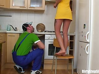 Comme �a Russian Teen Gets Her Pussy Plumbered