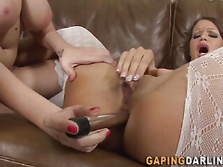 Lesbian gets booty toyed and rubs