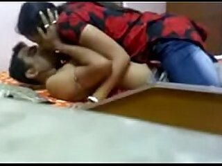 indian beautiful girl fucking hardn with young man