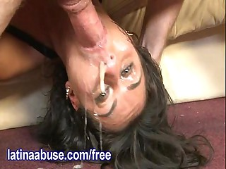 Latina Blows Drool Bubbles While Deepthroating